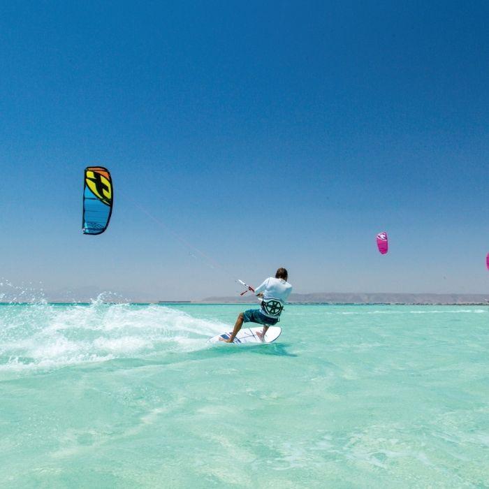 kitesurf en eau de mer