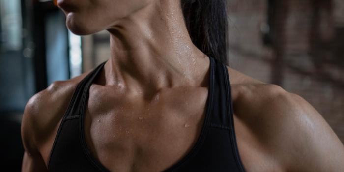 Les sportifs ont-ils besoin d'une skincare spécifique ?